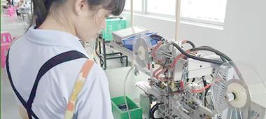 11年专注于锂电池和配套产品的研发、生产、销售